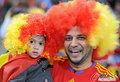 图文:西班牙VS德国 球迷激情助威(34)