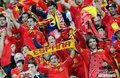 图文:西班牙VS德国 球迷激情助威(79)