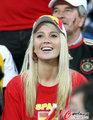 图文:西班牙VS德国 球迷激情助威(101)