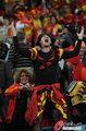 图文:西班牙VS德国 球迷激情助威(37)