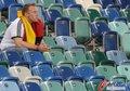 图文:西班牙VS德国 球迷激情助威(44)