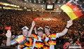 图文:德国负西班牙 国内球迷激情助威(15)