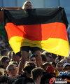 图文:德国负西班牙 国内球迷激情助威(18)
