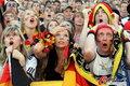 图文:德国负西班牙 国内球迷激情助威(38)