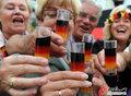 图文:德国负西班牙 国内球迷激情助威(39)