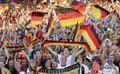 图文:德国负西班牙 国内球迷激情助威(45)