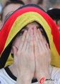 图文:德国负西班牙 国内球迷激情助威(53)