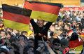 图文:德国负西班牙 国内球迷激情助威(60)