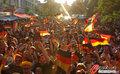 图文:德国负西班牙 国内球迷激情助威(73)