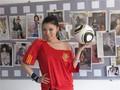 高清:刘飞儿世界杯写真 预测西班牙获冠