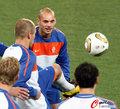 图文:世界杯决赛在即 荷兰队适应场地(4)