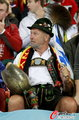 图文:德国VS乌拉圭 球迷激情助威(24)