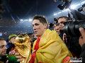 图文:西班牙夺大力神杯 球员激情庆祝(167)