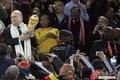 图文:西班牙夺大力神杯 球员激情庆祝(183)