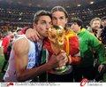 图文:西班牙夺大力神杯 球员激情庆祝(194)