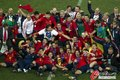图文:西班牙夺大力神杯 球员激情庆祝(249)