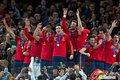 图文:西班牙夺大力神杯 球员激情庆祝(257)