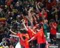 图文:西班牙夺大力神杯 球员激情庆祝(288)
