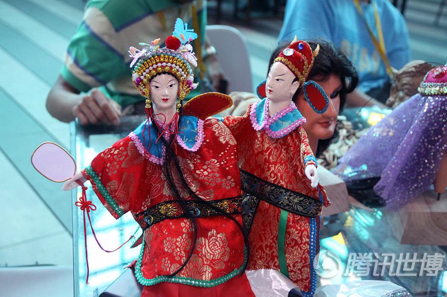 精美的布袋木偶,才子佳人的故事是木偶戏千百年不变的重要剧目