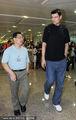 组图:姚明携众星抵达台北 受球迷热情欢迎