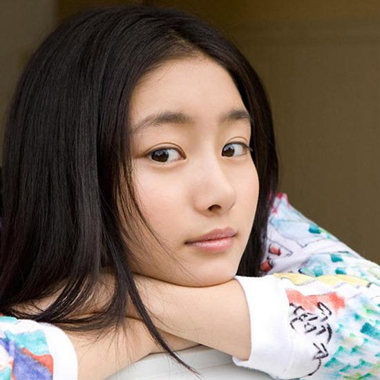 组图:日本90后超人气美少女 教育