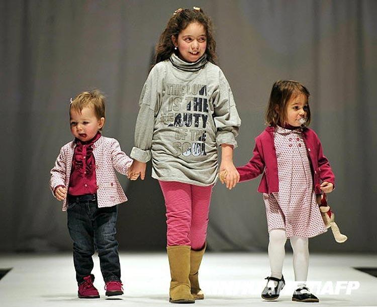 高清图:意大利儿童时装秀