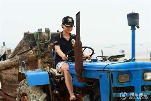回忆:少女与拖拉机的相遇