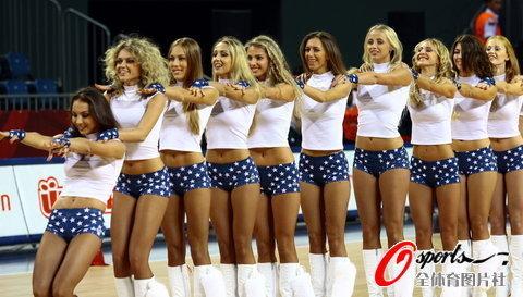 组图:性感美女美国国旗热裤秀翘臀