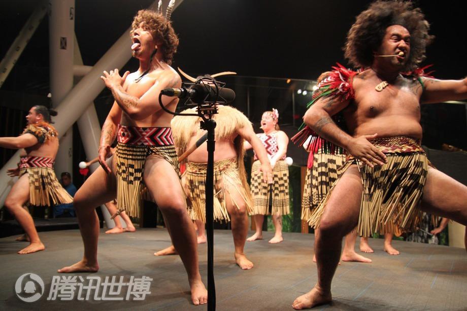 HAKA战舞,相当彪悍和夸张的舞蹈