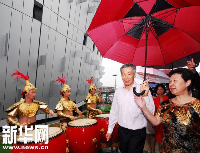 新加坡总理李显龙参观上海世博园