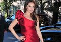 英超女神红裙出镜