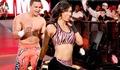 WWE性感美女大打出手