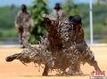 高清:斯里兰卡空军特种兵展示技能