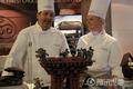 高清:比利时馆巧克力拗成中国馆造型迎国庆