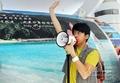 组图:光良马来西亚馆当导游 世博零距开唱