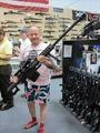 高清:美国枪械超市一瞥 国人震惊了