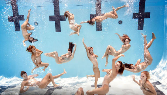 众杂志大腕一脱到底+espn特刊裸体体育v杂志跳性感在家舞妇中图片