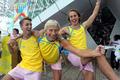 高清:众人参与瑞典室外健身操 激情乐翻天