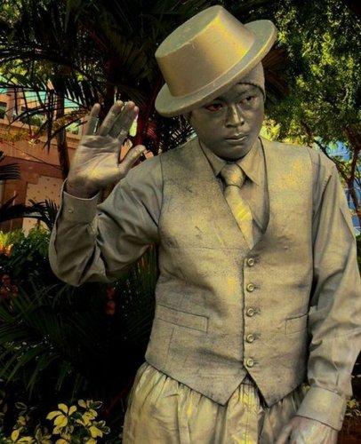 令人称奇的街头活人体雕像