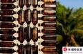 组图:泰国150万个啤酒瓶建造的寺庙