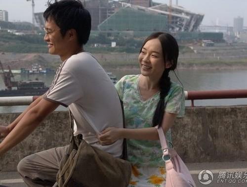 组图:霍思燕《迷城》中扮洗头妹