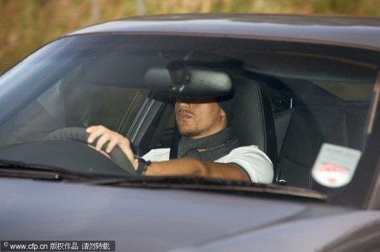 鲁尼携曼联众星秀座驾 上演豪车大比拼