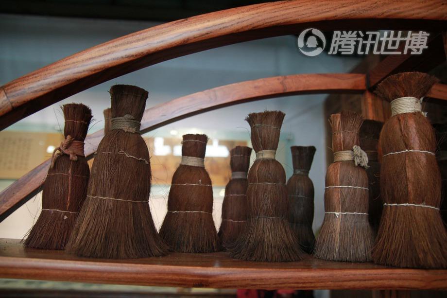 印刷中会使用到的棕刷,棕刷是由棕树制成的