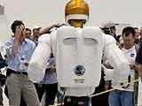 全球首位机器人宇航员