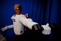 组图:全球首位机器人宇航员即将发射升空