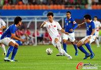 高清:中国3-0马来西亚 主裁红牌频出罚下3人