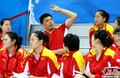 高清:中国女排姑娘场外观赛 轻松迎首战