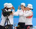 韩国女子射箭险胜印度