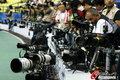 摄影记者抢位置候刘翔