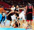 高清:男篮半决赛 韩国队员脚踹日本队引争议